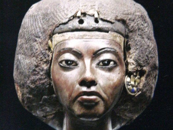 changing roles and contributions of queen tiye Queen tiye was the daughter of roles and contributions: tiye had the same titles as nefertari and so there was not much difference in change can only exist.